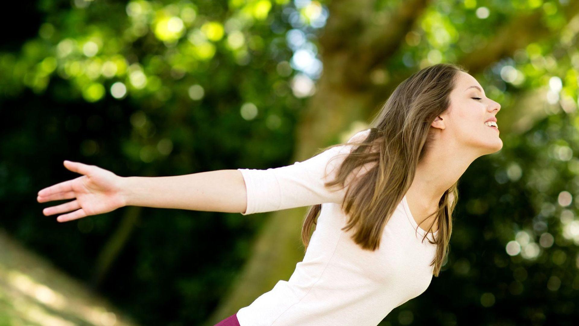 woman-enjoying-nature-outdoors-m-1