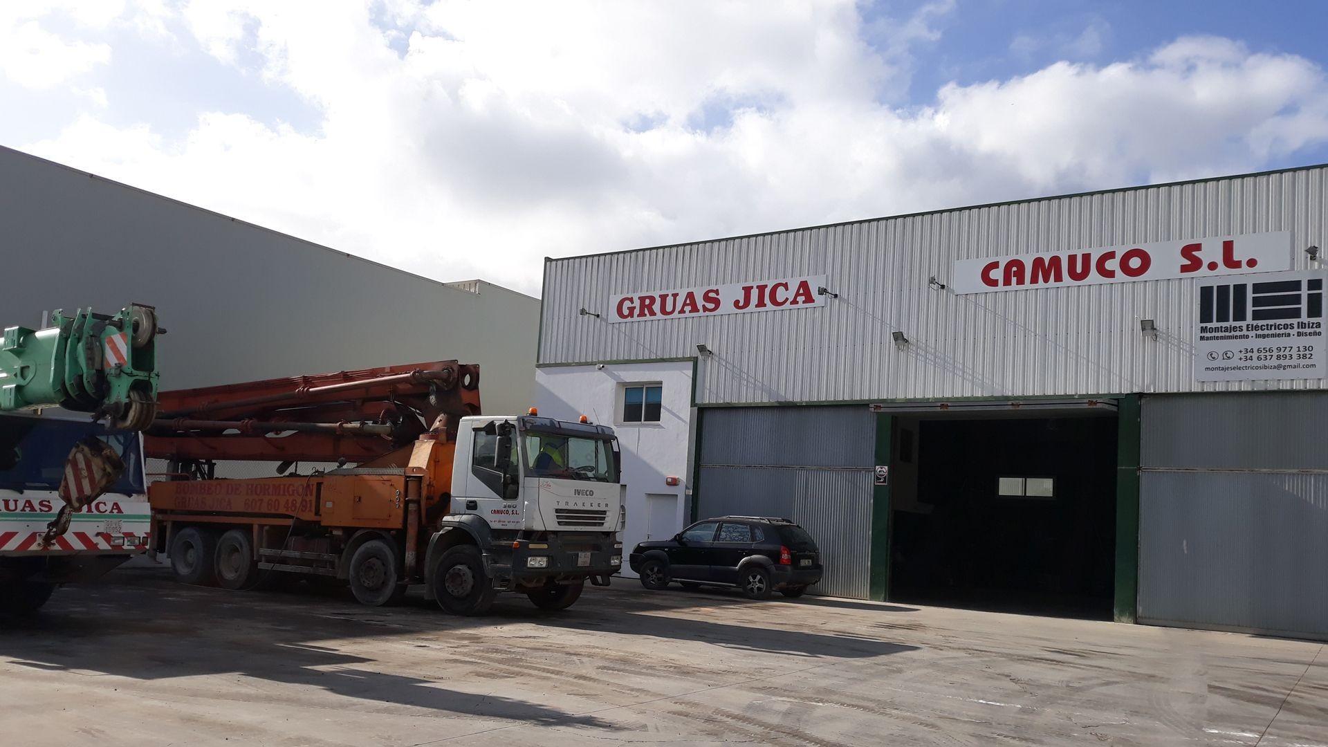 Grúas torre para la construcción y alquiler de grupos electrógenos en Ibiza