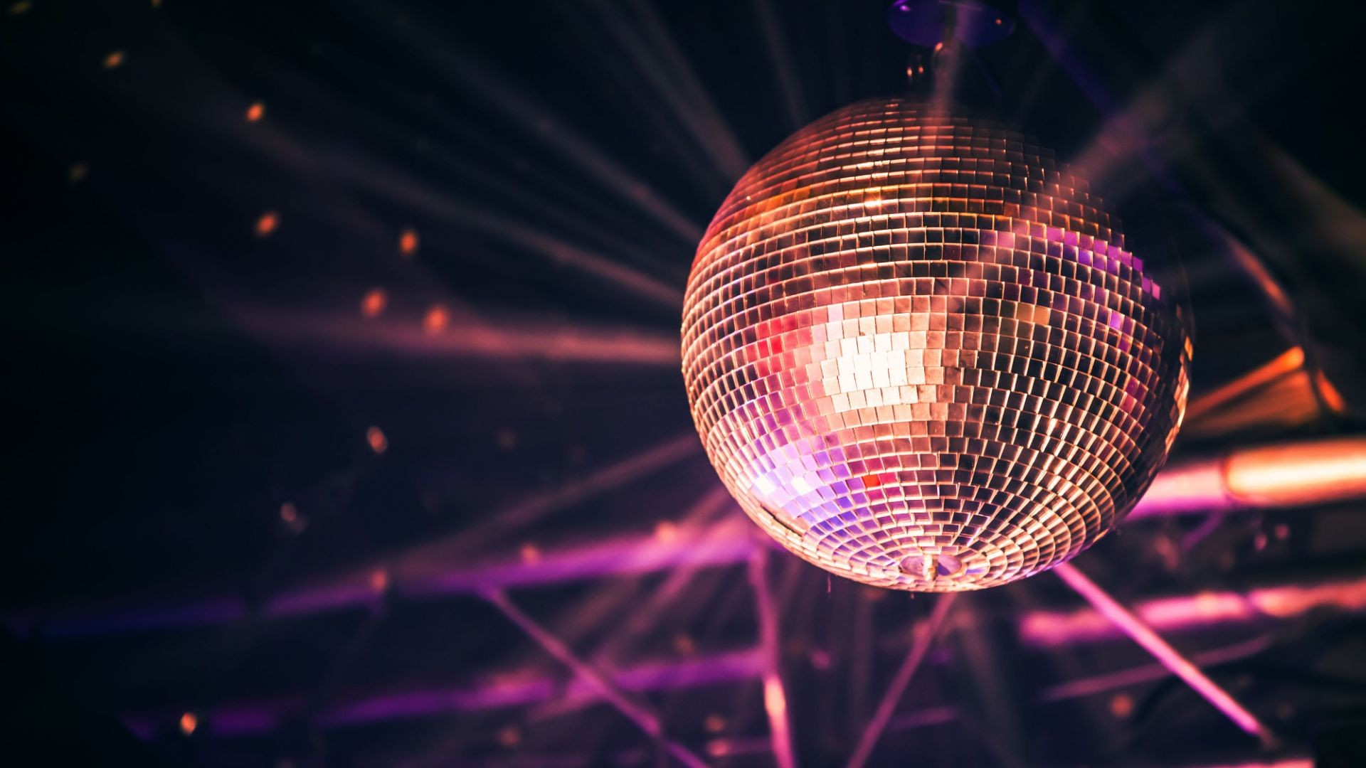 Salas de fiesta, bar karaoke Coruña