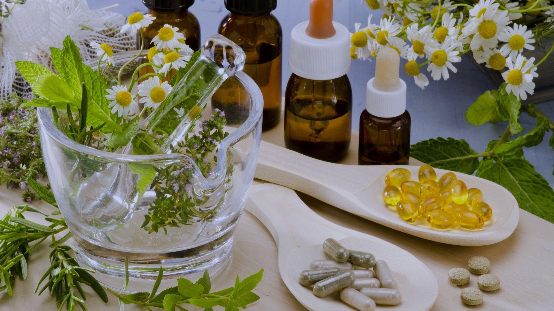 Elaboración de productos de medicina natural en Las PAlmas