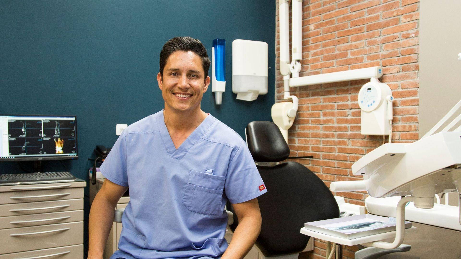 Implante dentales baratos en Hospitalet de Llobregat