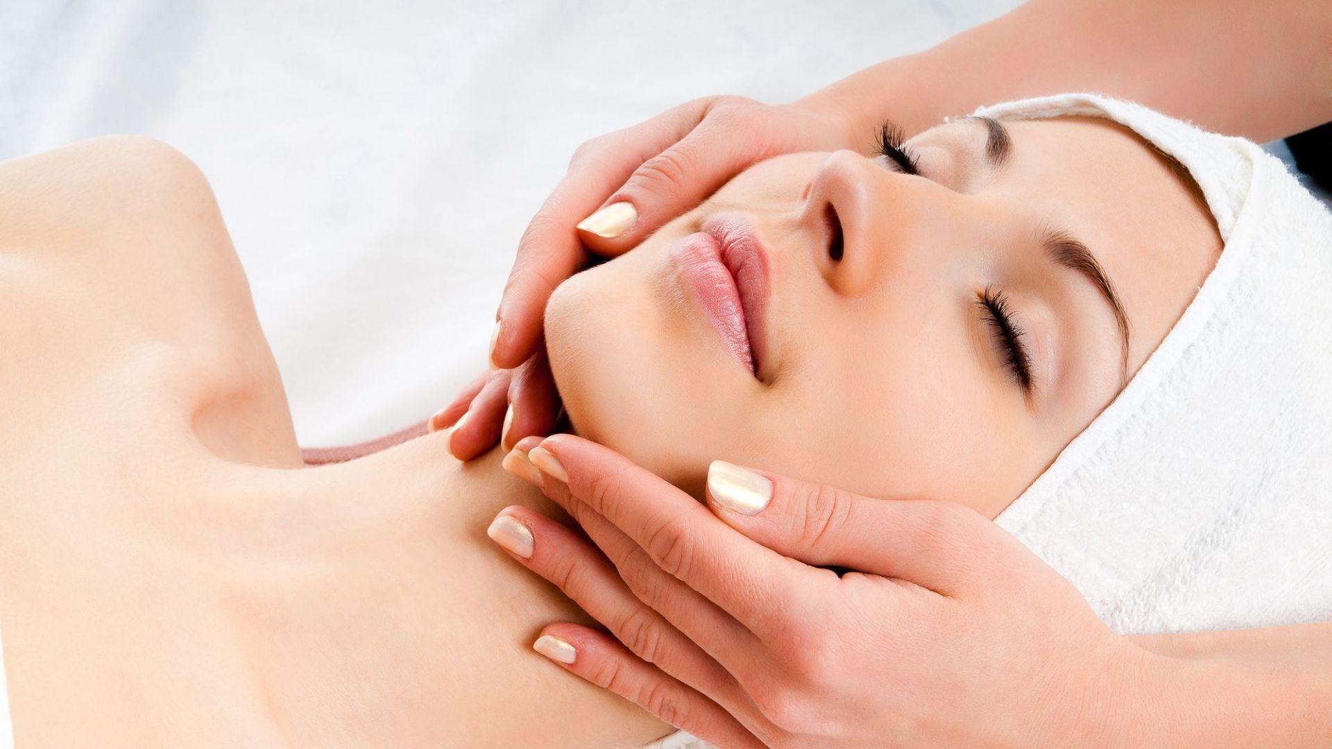 000 centro de belleza estética masaje facial mujer