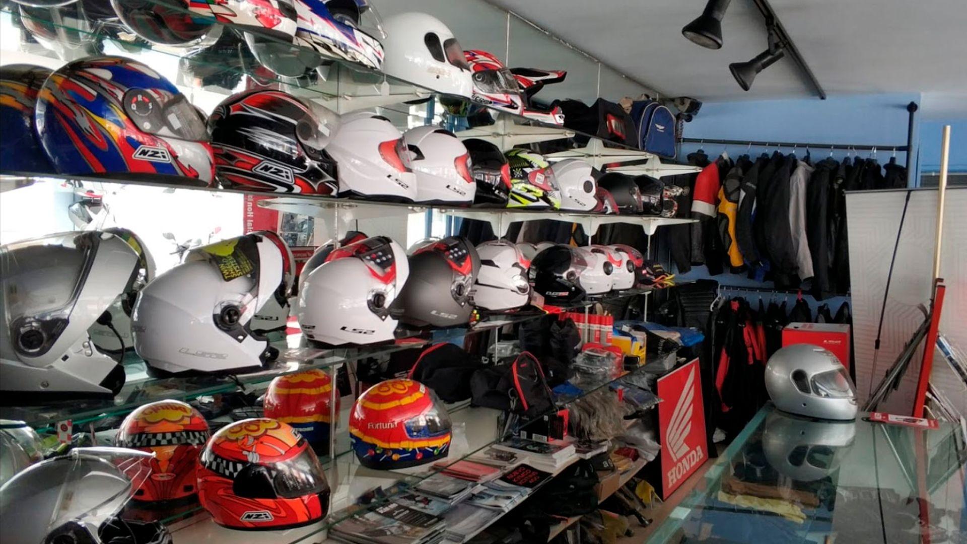 Comprar moto nueva y neumáticos para moto en Vilassar de Mar