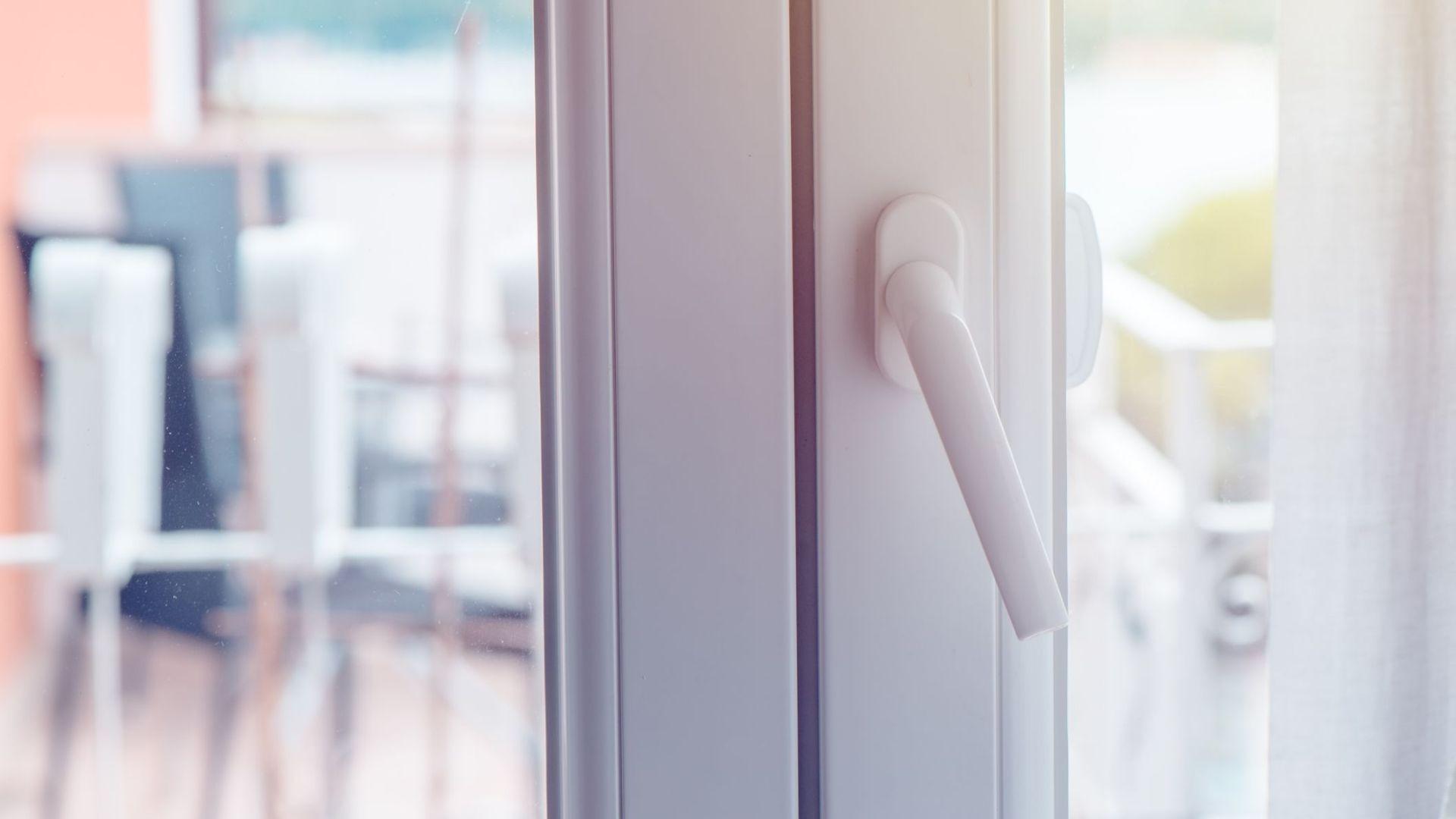 Puertas y ventanas de aluminio y PVC en Deltebre