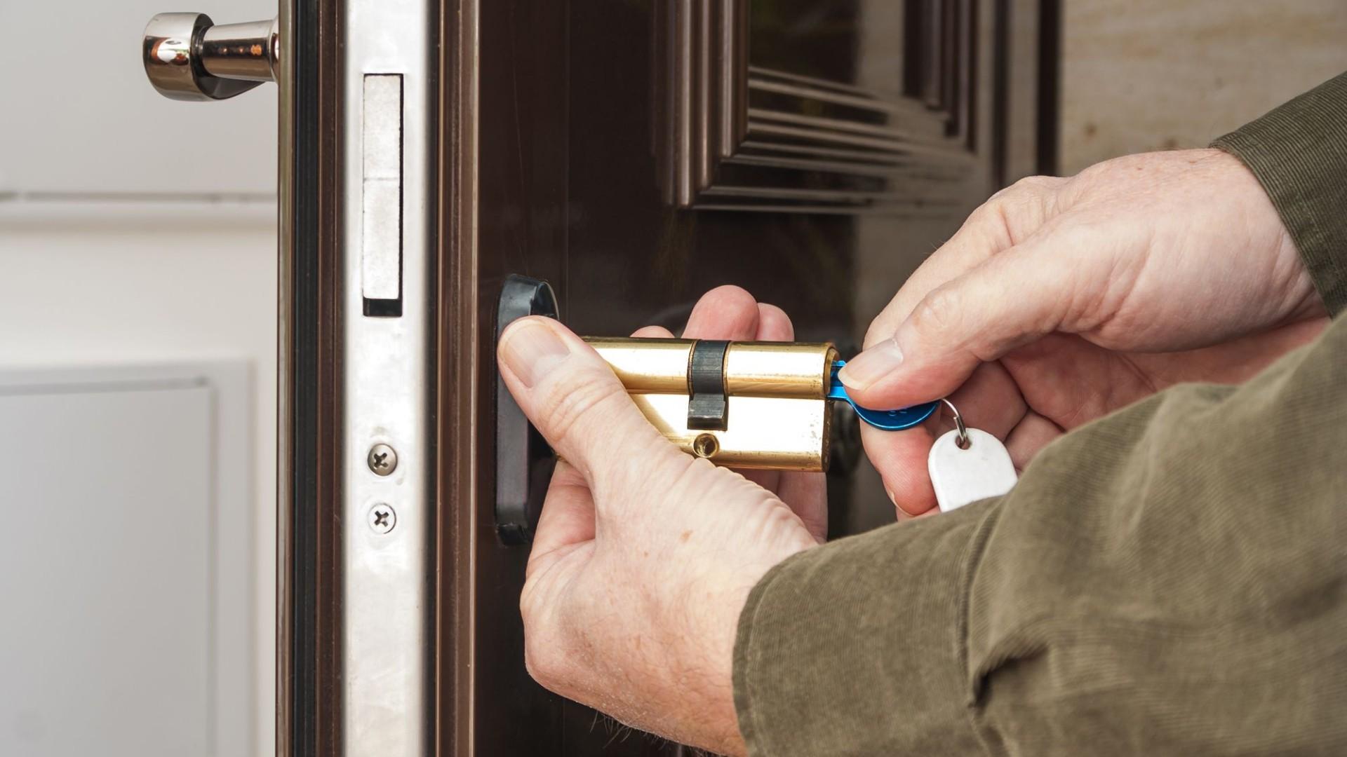 000 cerrajero puertas apertura cerrajería  (5)