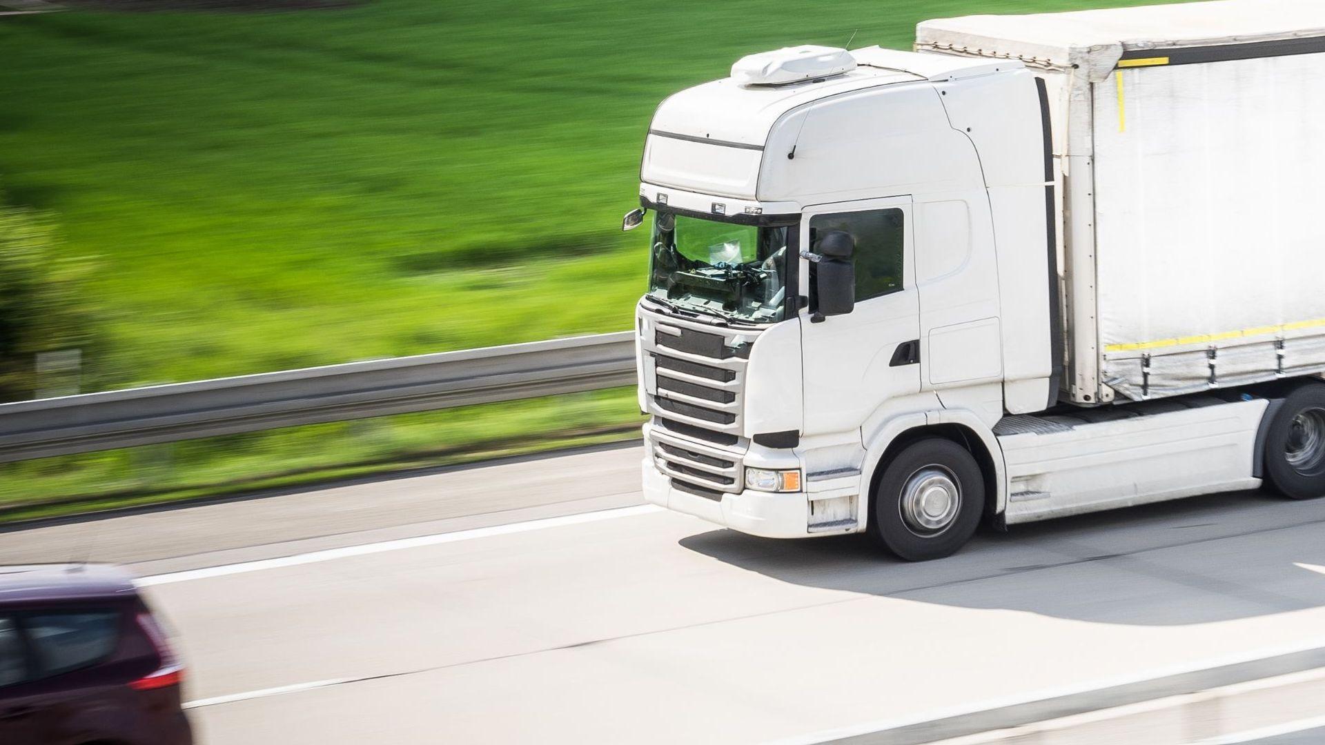 camion_transporte_autonomo_logistica