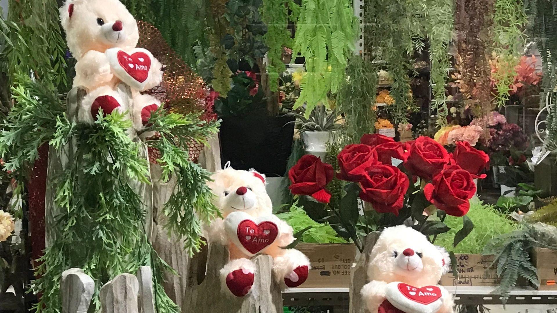 Escaparate de San Valentin en la parada de Viladecans de Fernando Gallego SCP