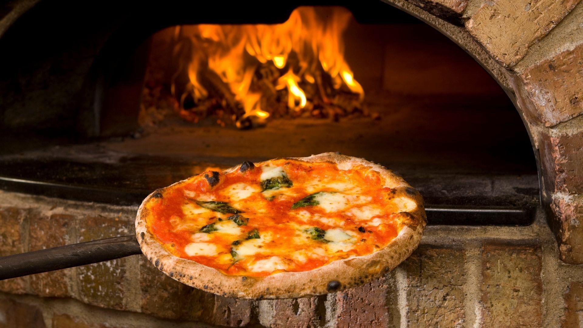 Pizzas caseras y elaboradas a mano en Torremolinos