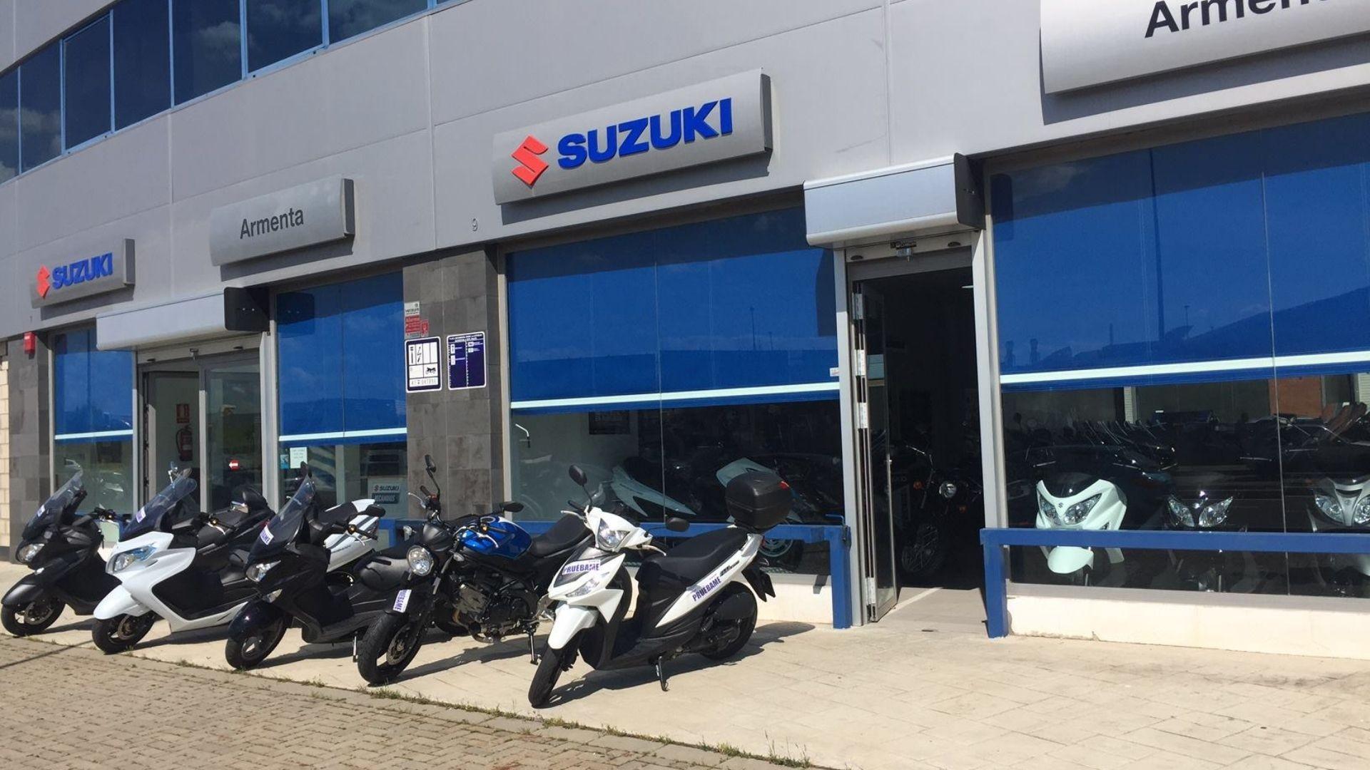 Concesionario y taller de motos en Sevilla