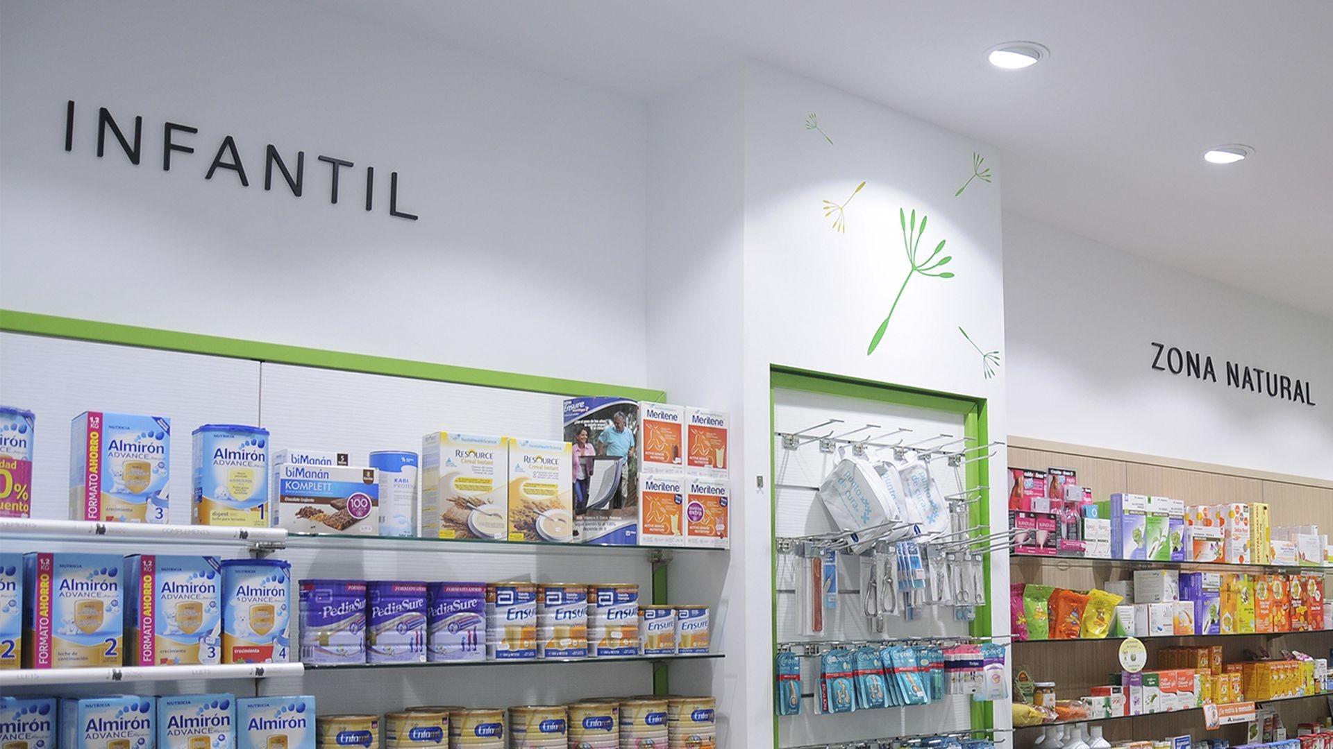 Farmacia con productos de alimentación infantil y natural en Tarragona