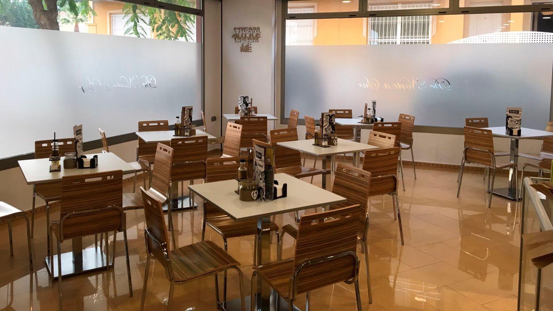 Mesas y sillas de gran calidad para hostelería en Murcia