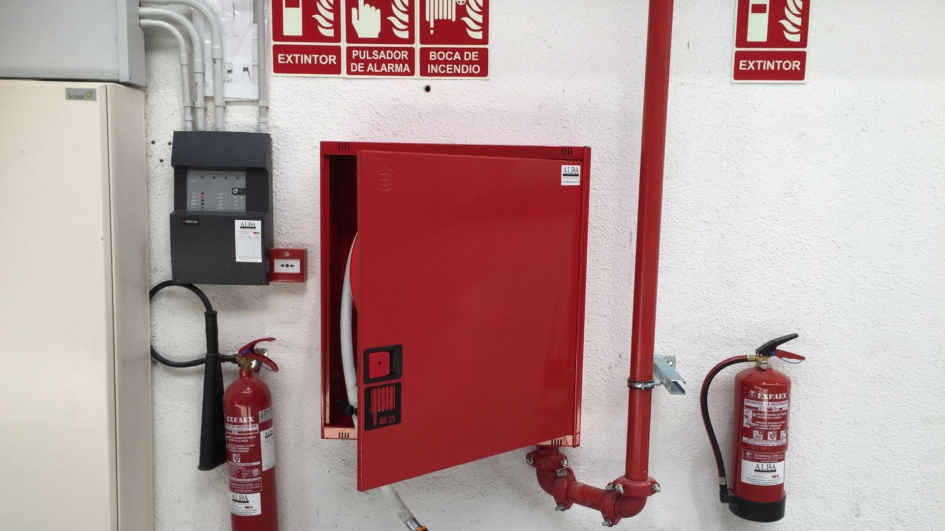 Instalación y mantenimiento Protección Contra Incendios. Alarma, Extintor, BIE, Pulsador.