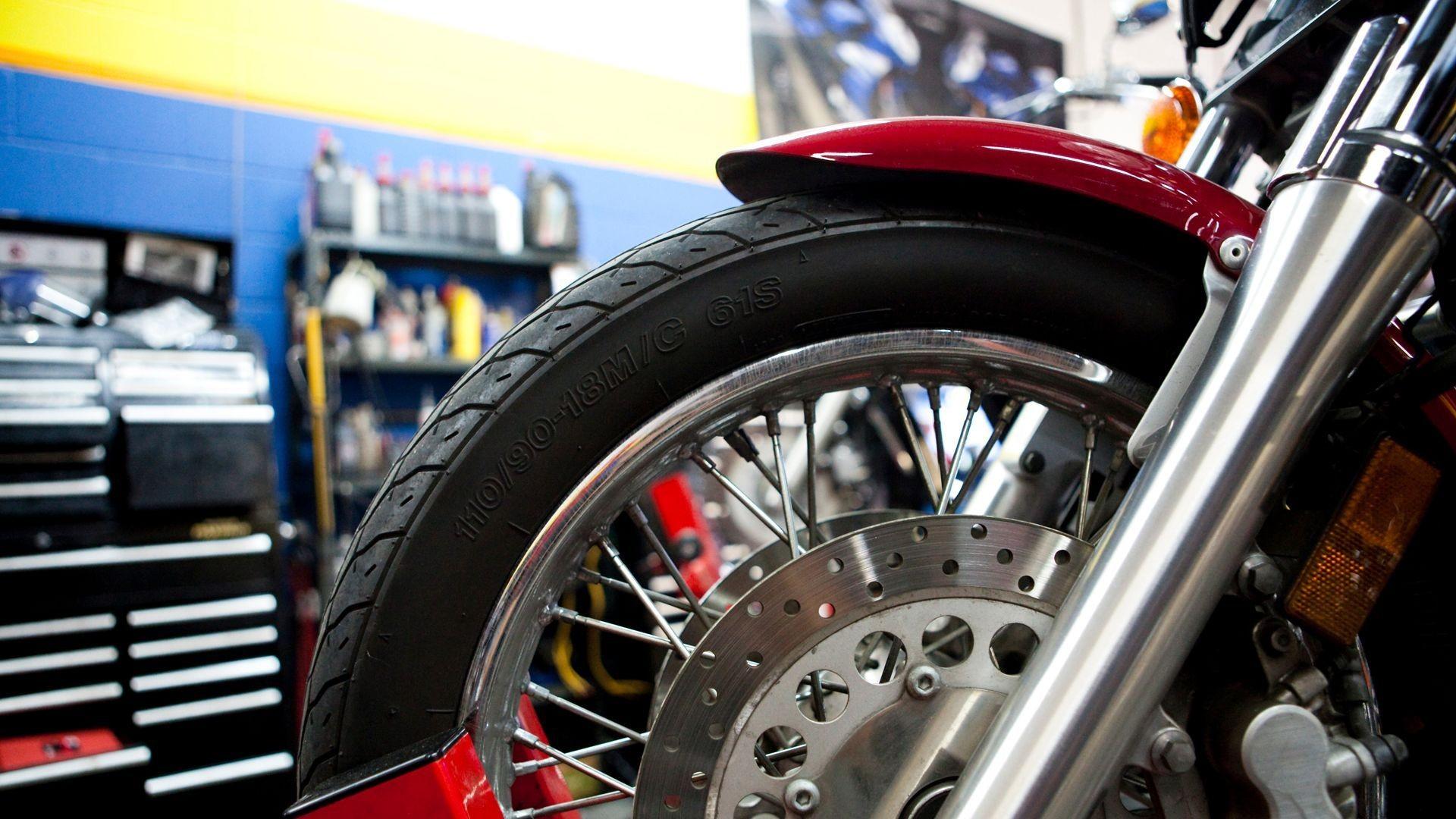 Taller especializado en motos en L'Hospitalet de Llobregat
