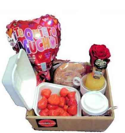 Desayuno con fresas: Catálogo de Regalos de Floresdalia.com