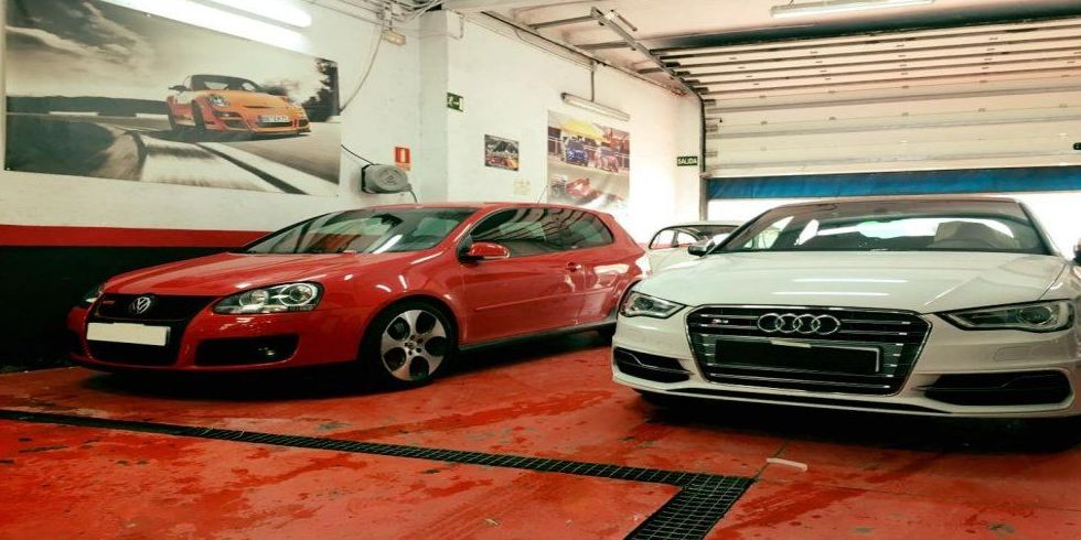 Reparación de coches de alta gama, chapa y pìntura