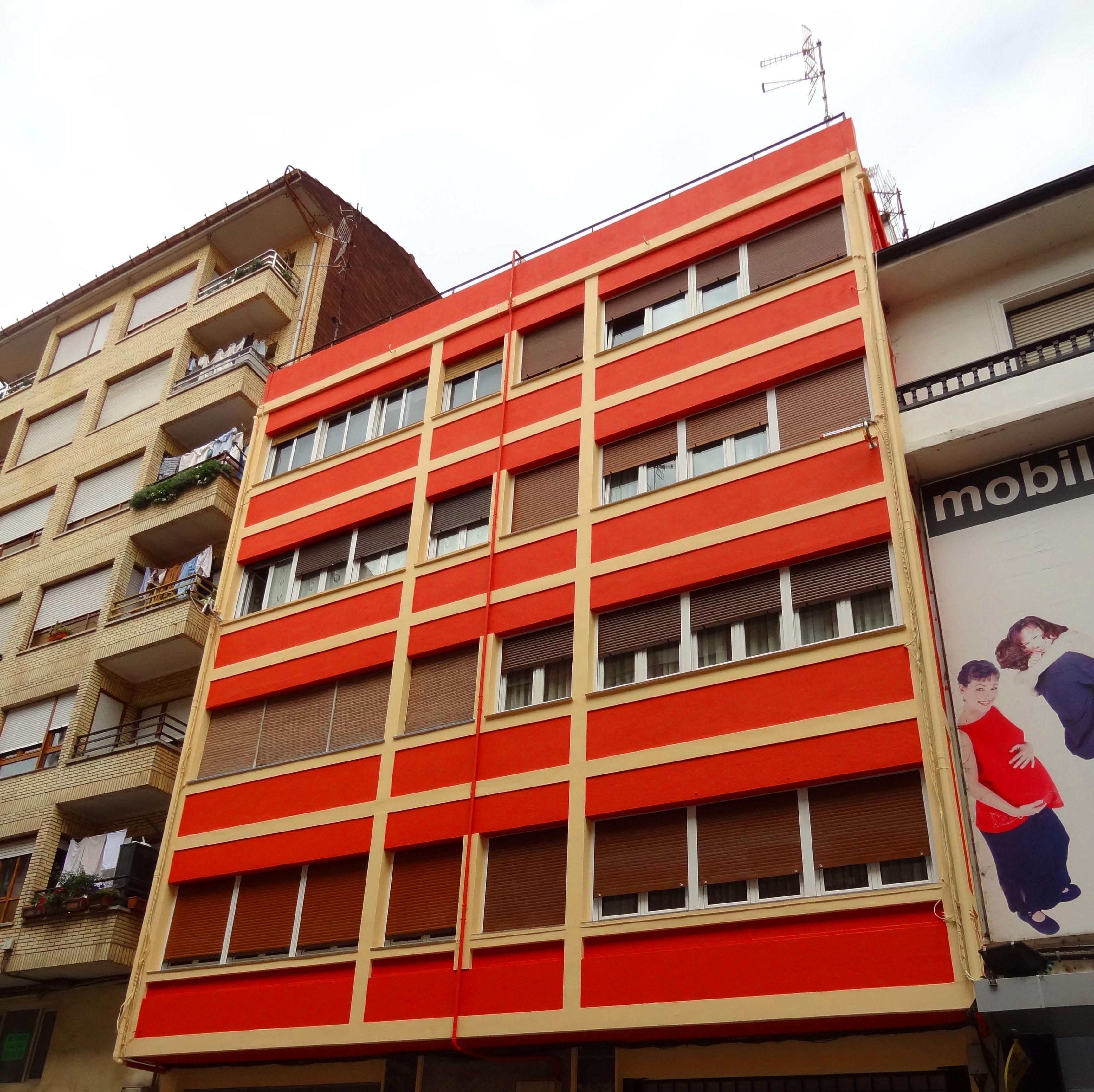 Rehabilitación integral de fachadas en Torrelavega-Santander