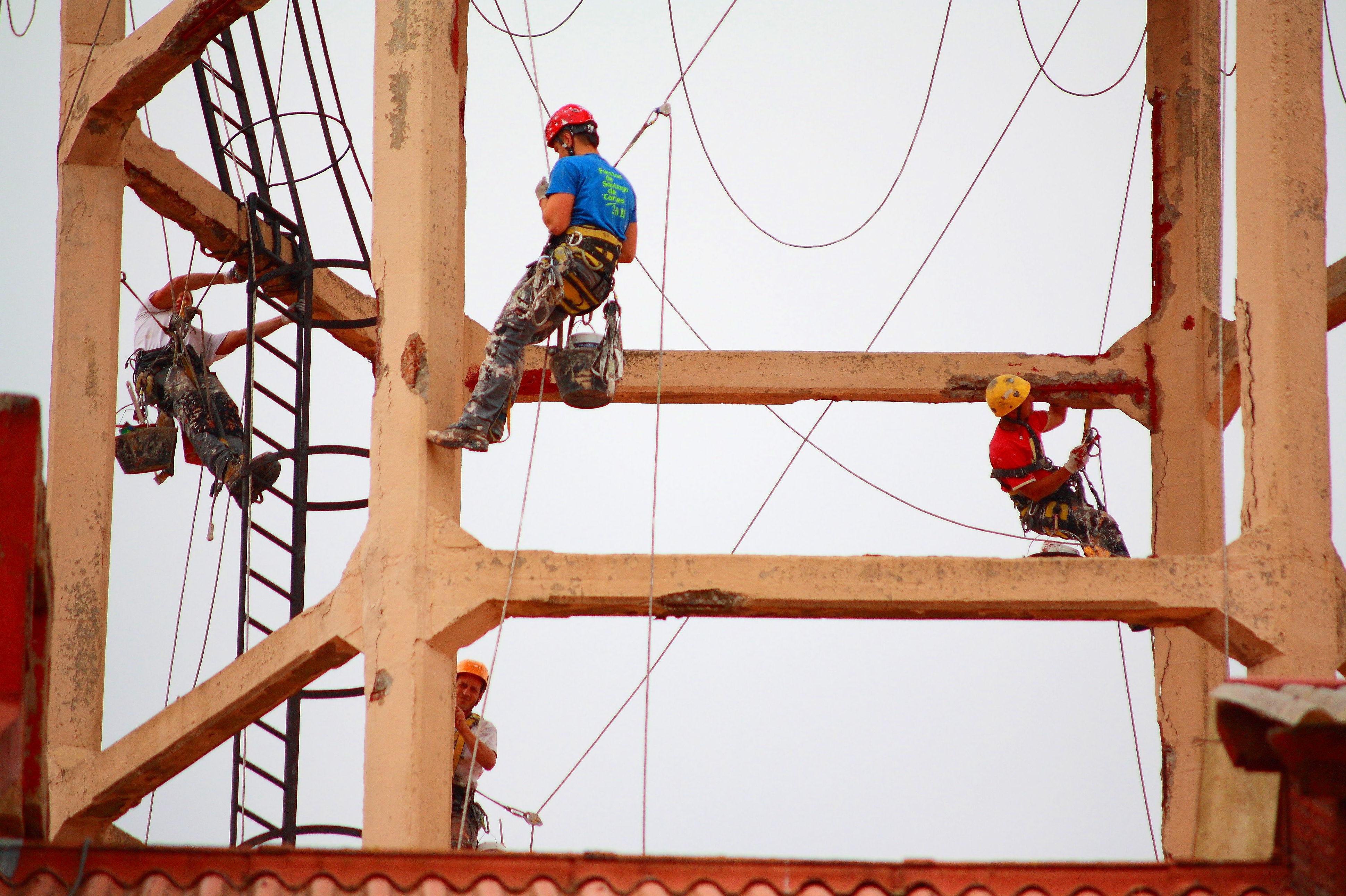 Reparaciones estructurales del hormigón con trabajos verticales en Cantabria