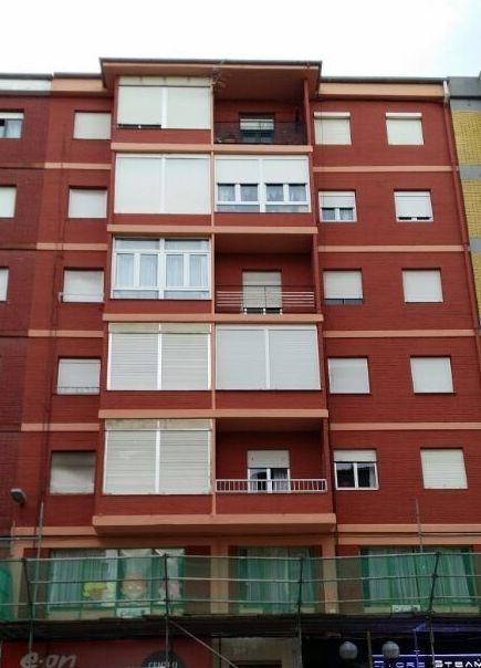 Rehabilitación y pintura de fachadas de edificios en Cantabria