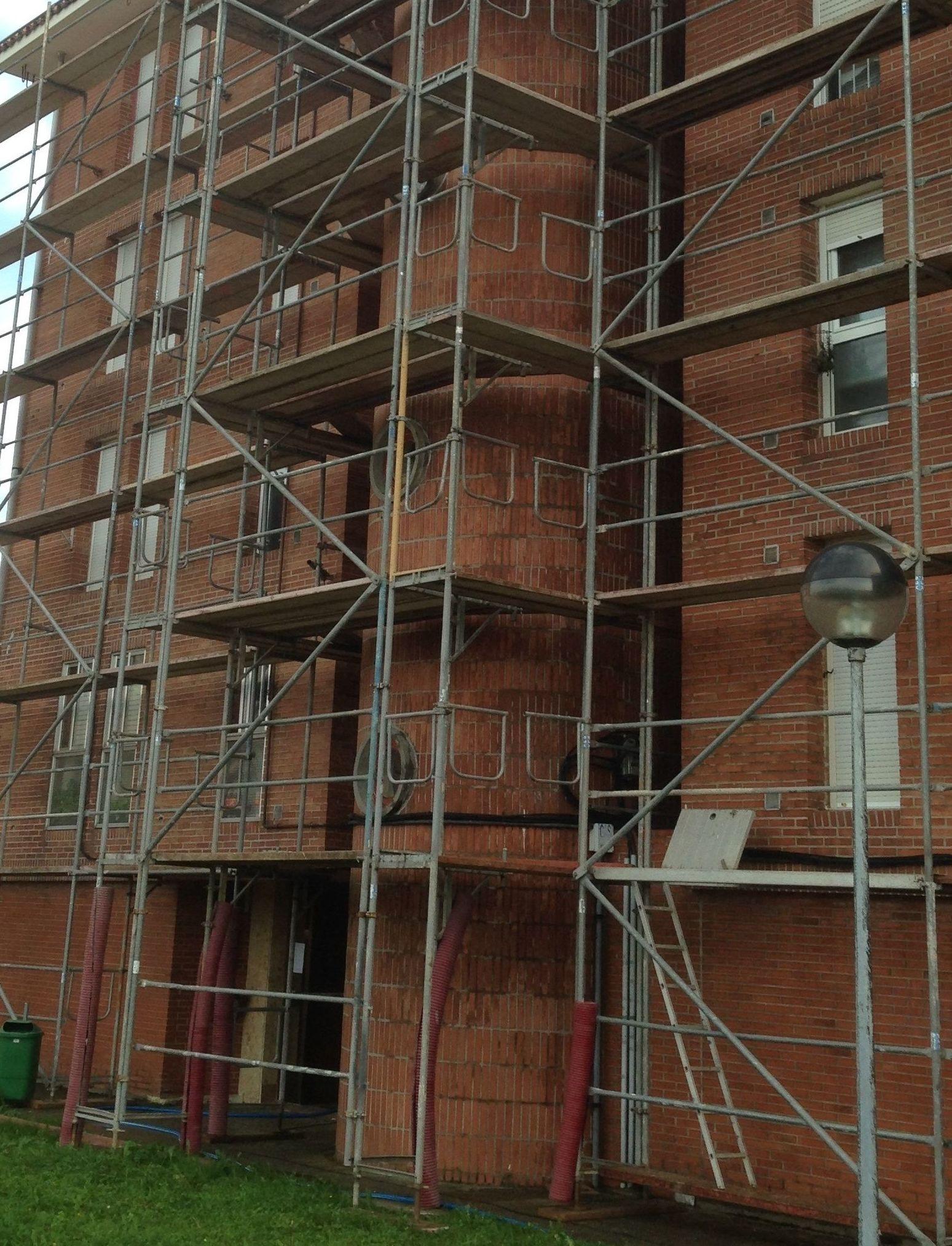 Rehabilitaciones de fachadas tratamientos integrales en Santander.