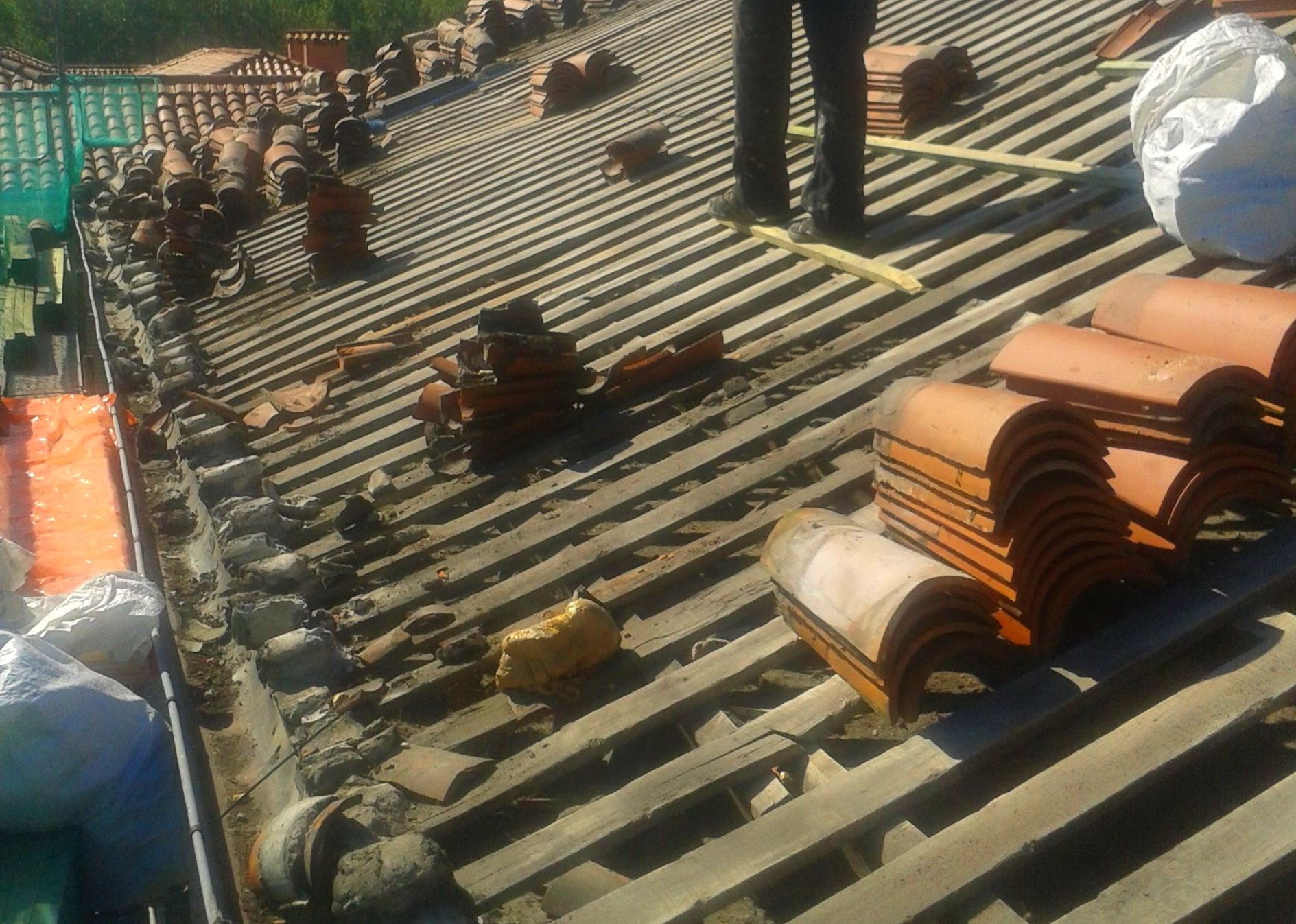 Reparar goteras en tejados de Torrelavega