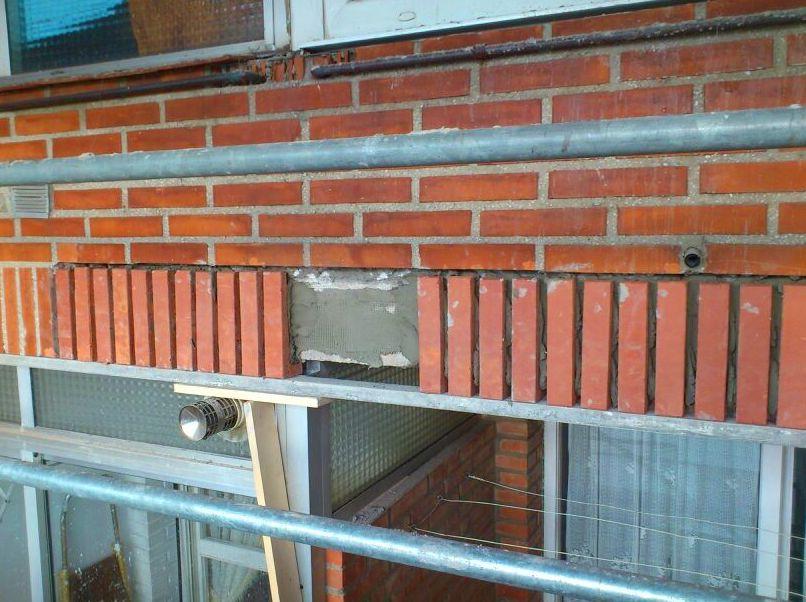 Reparaci n de ladrillo caravista trabajos de fachadas - Reparacion de humedades en paredes ...