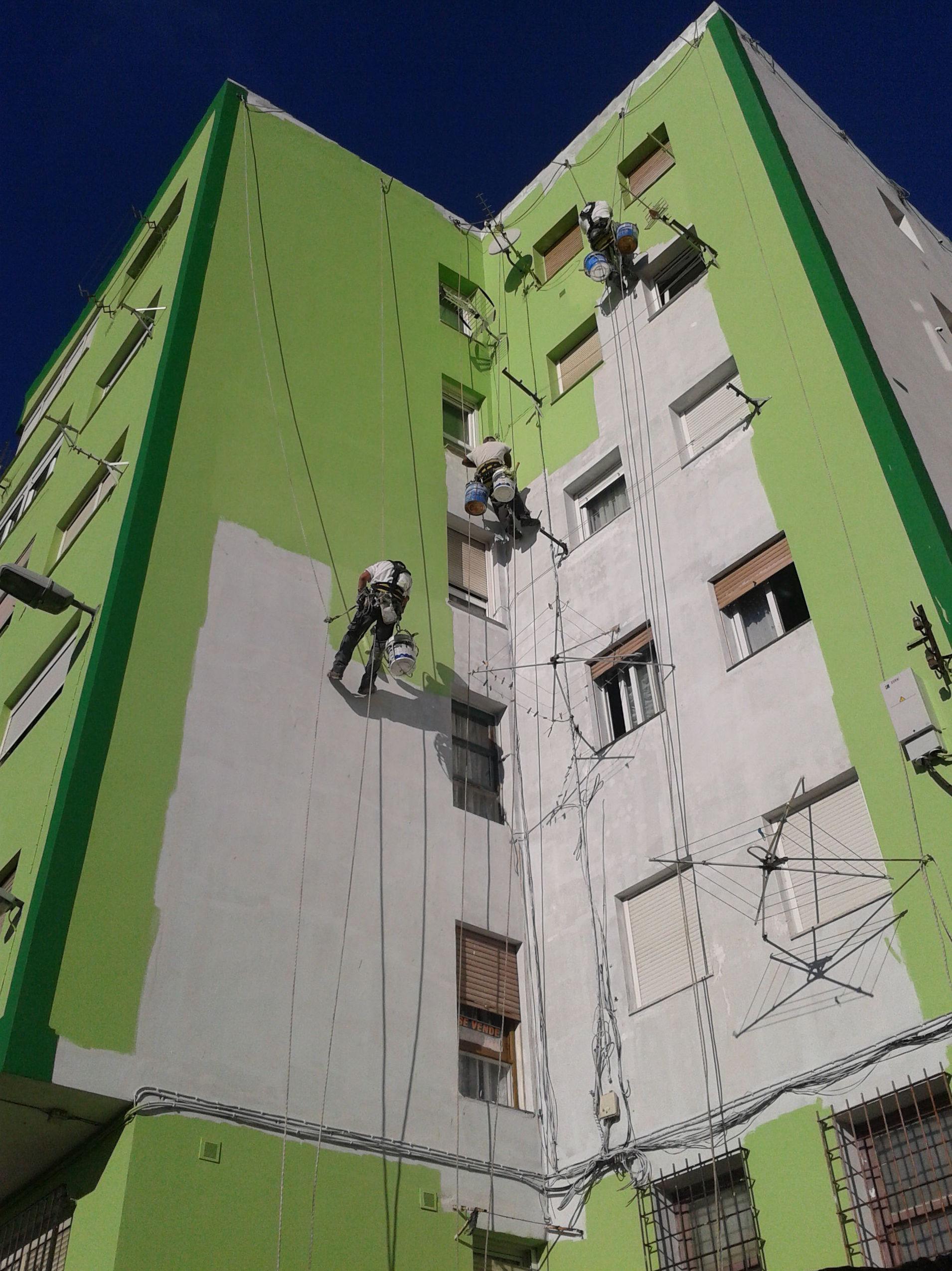 Tratamiento integral de fachadas, trabajos verticales