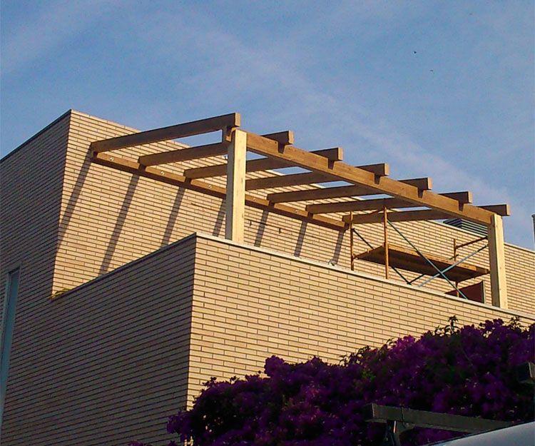 Pérgolas de madera para casas de madera en Lleida