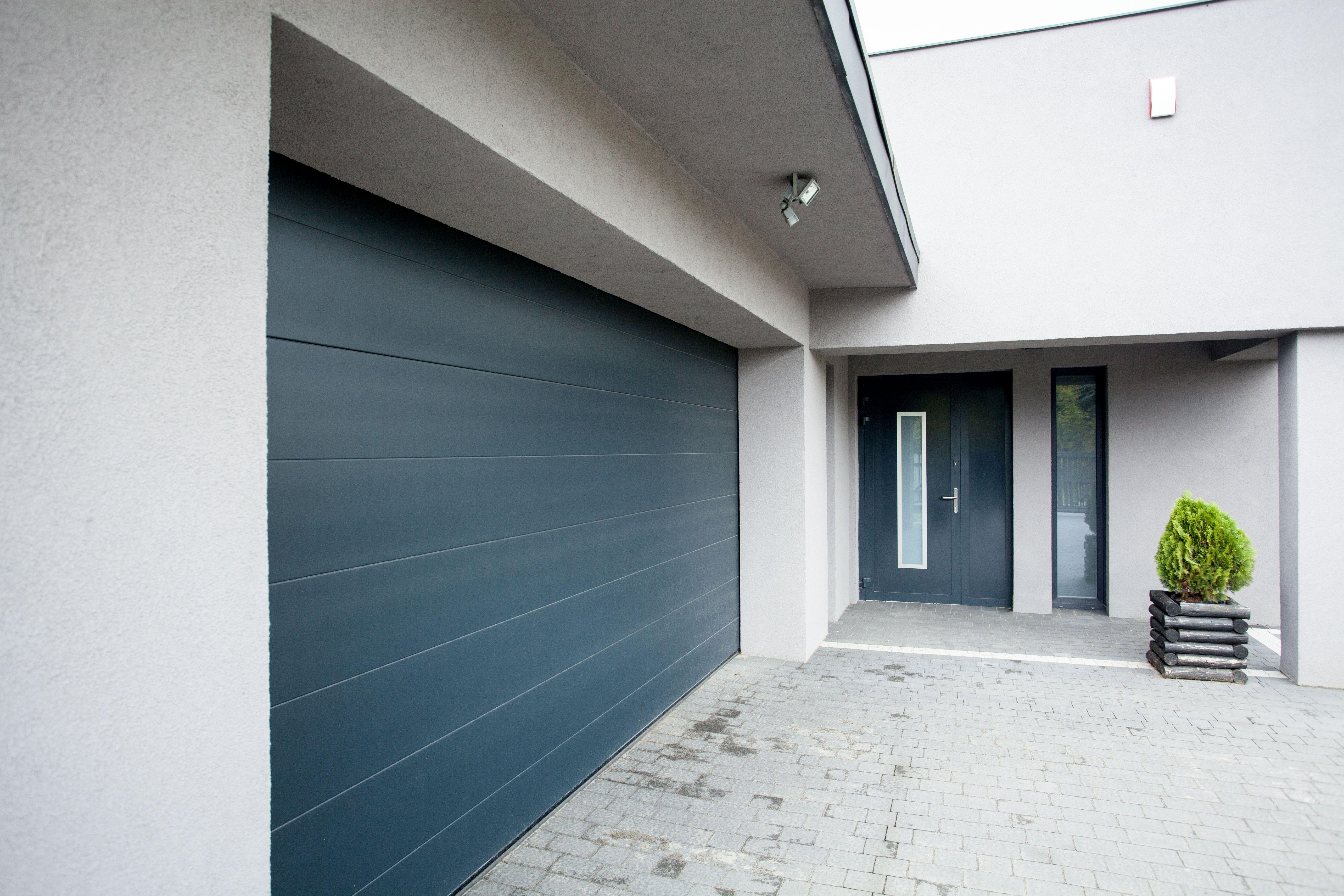 Instalación de puertas de garaje en Vigo