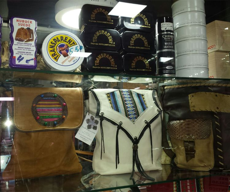 Venta de bolsos artesanos