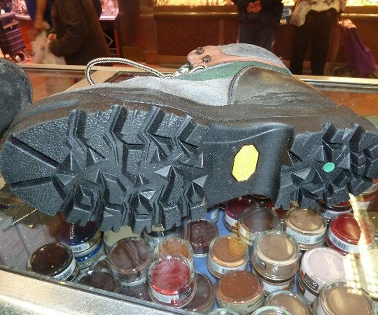 Reparación de suelas para botas en Leganés