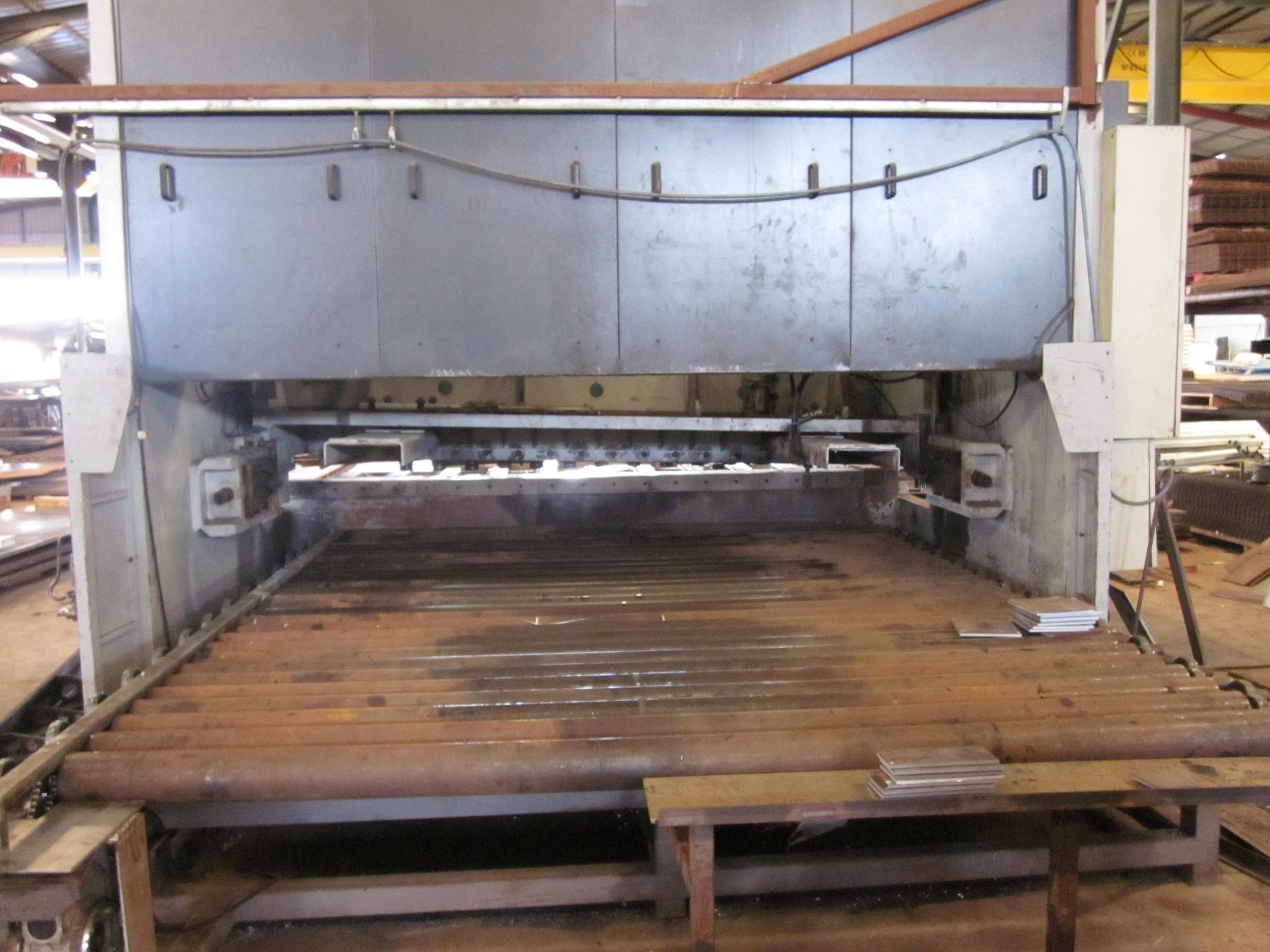 Máquina corte chapa en Cádiz