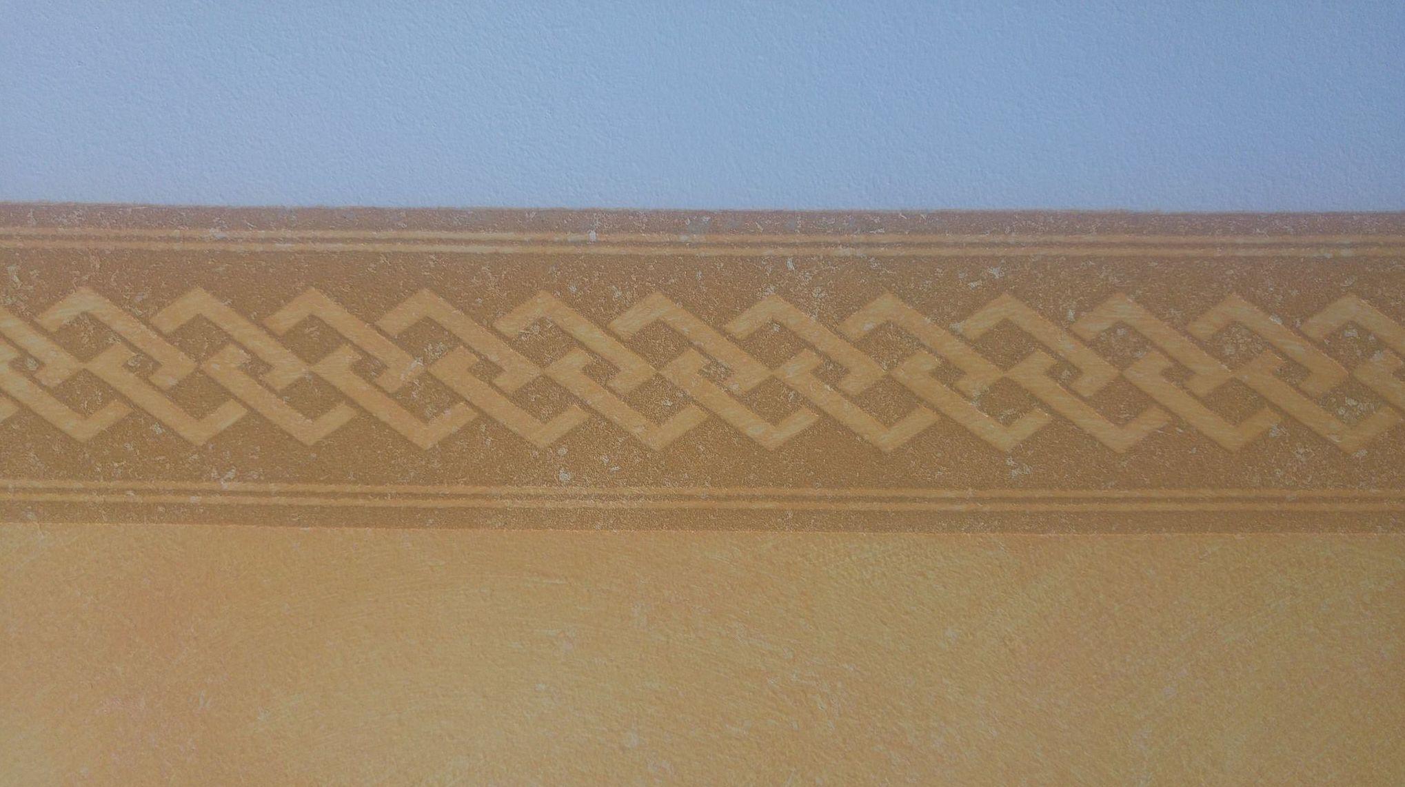 Zócalo de pasillo en Tierras Florentinas con cenefa pintable