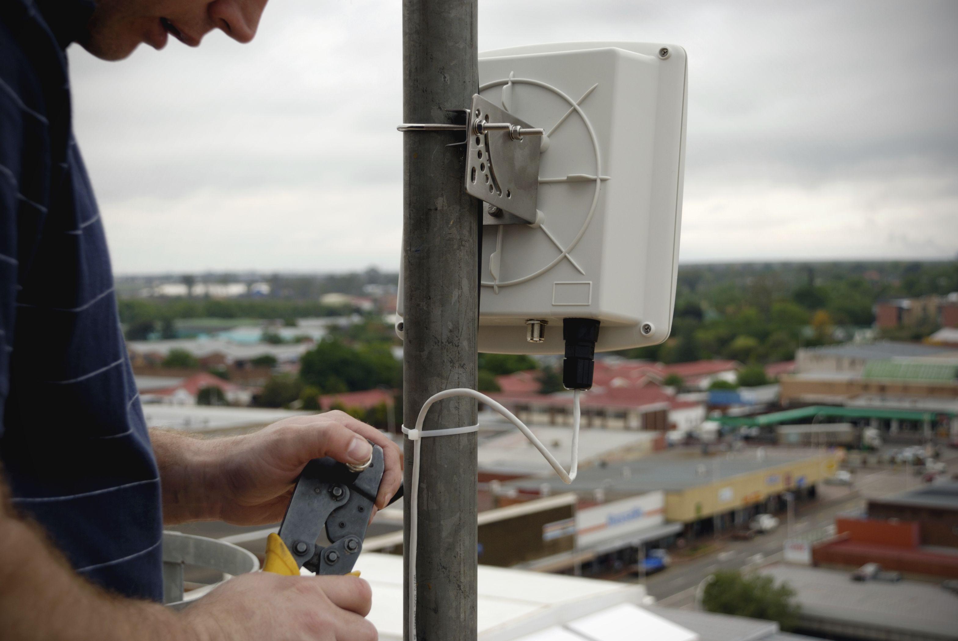 Instalaciones de telecomunicaciones: Servicios de CNB Tecnologías