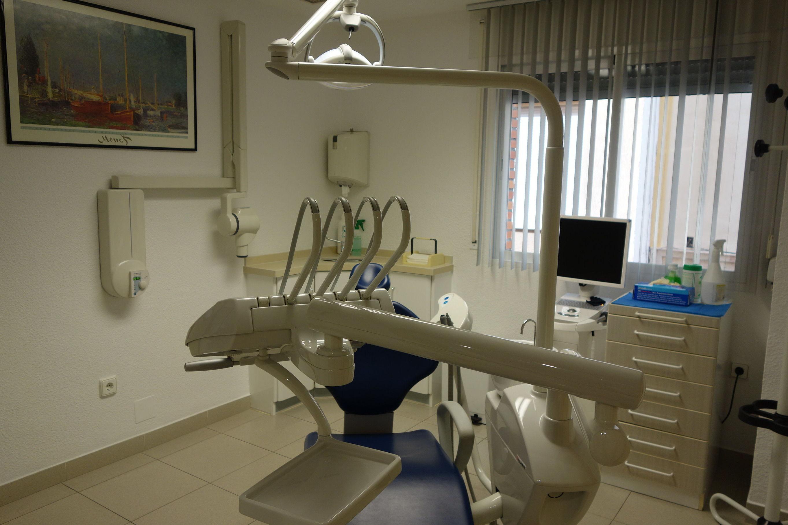 Foto 2 de Clínicas dentales en Motril | Clínica Dental Francisco Javier García Jerónimo