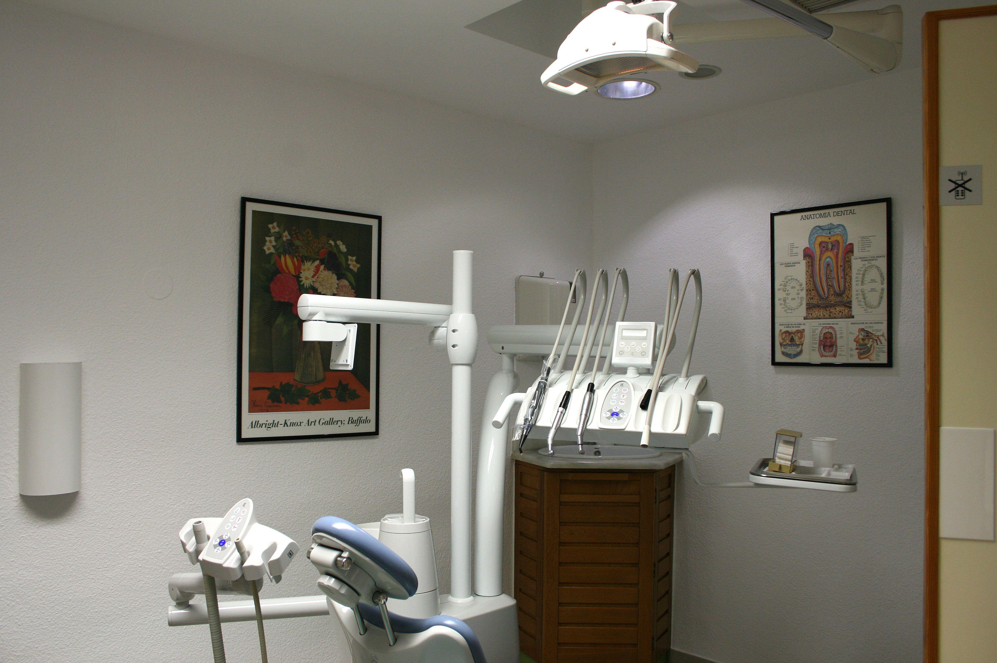 Foto 4 de Clínicas dentales en Motril | Clínica Dental Francisco Javier García Jerónimo