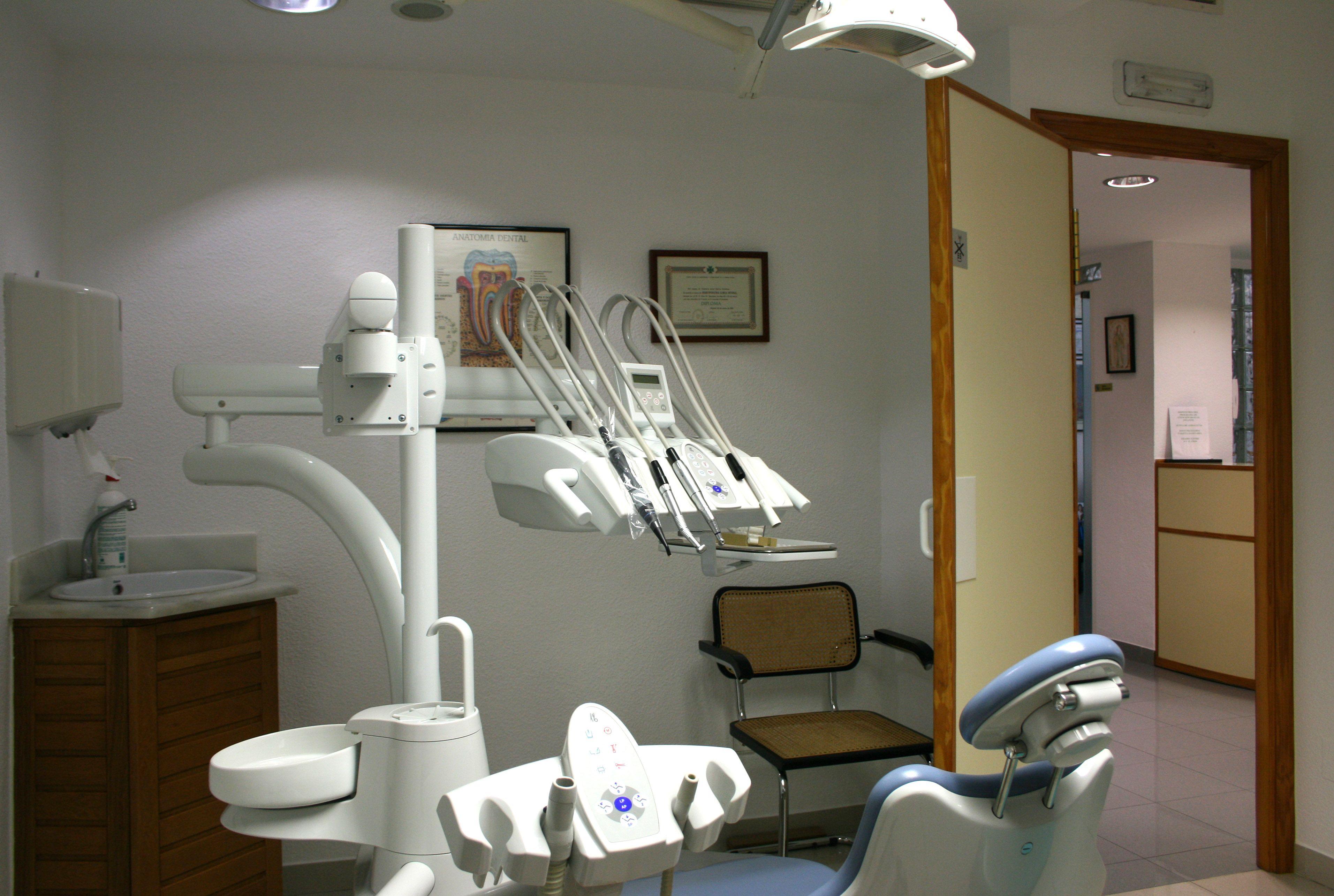 Foto 3 de Clínicas dentales en Motril | Clínica Dental Francisco Javier García Jerónimo