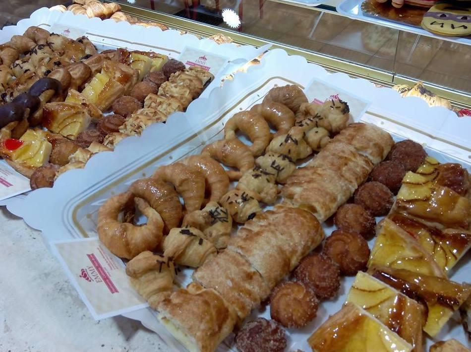 Foto 79 de Pastelerías en Granollers | EMMY Pastelería - Cafetería - Panaderia