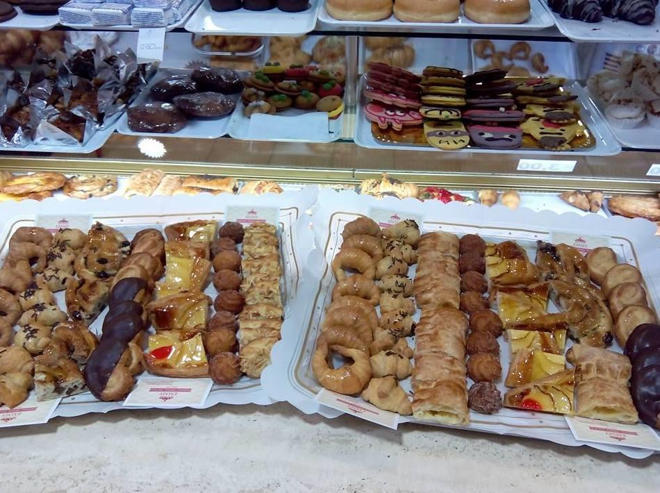 Foto 21 de Pastelerías en Granollers | EMMY Pastelería - Cafetería - Panaderia