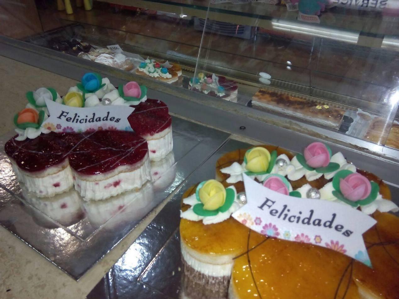 Foto 52 de Pastelerías en Granollers | EMMY Pastelería - Cafetería - Panaderia