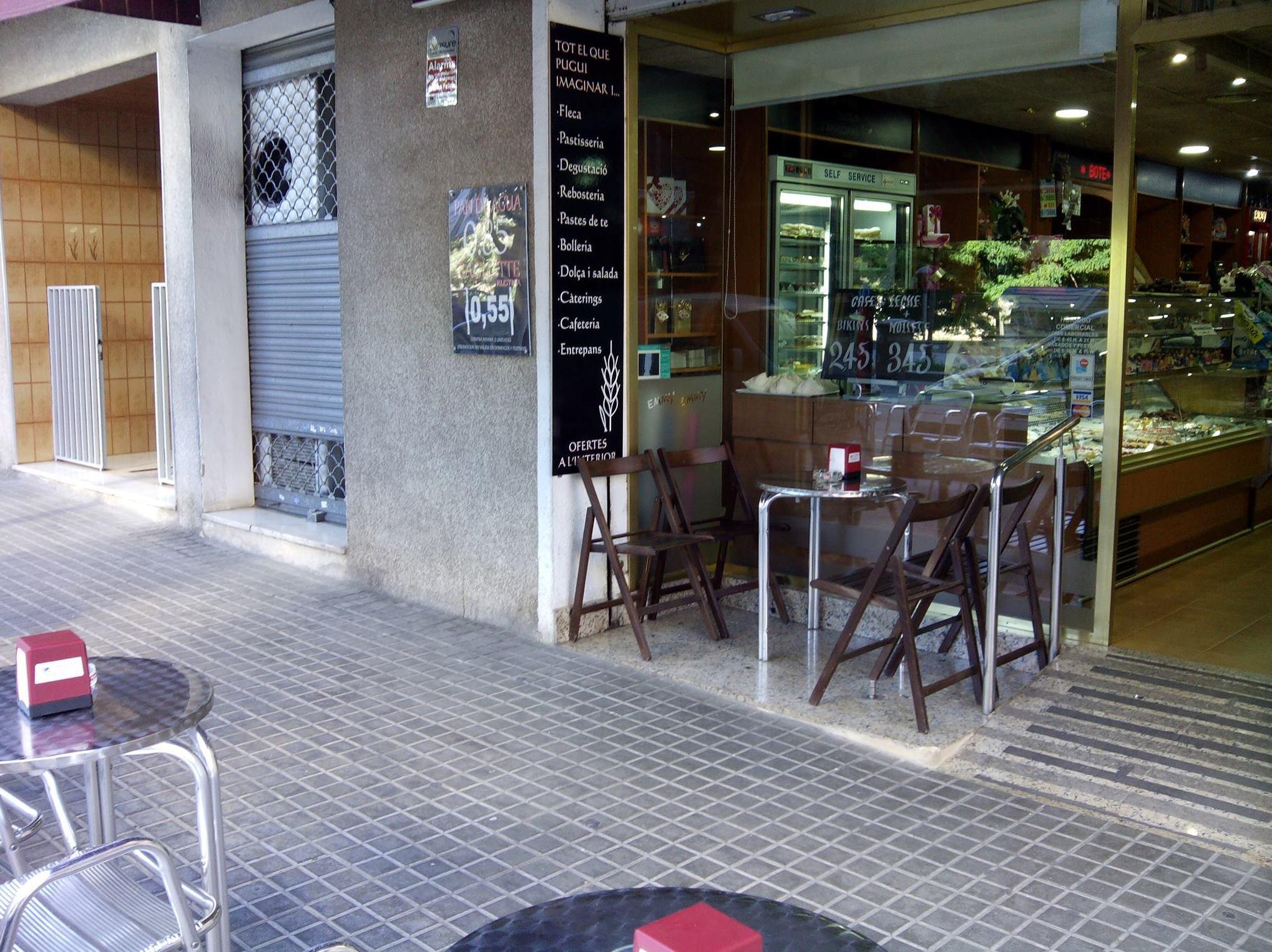 Foto 45 de Pastelerías en Granollers | EMMY Pastelería - Cafetería - Panaderia