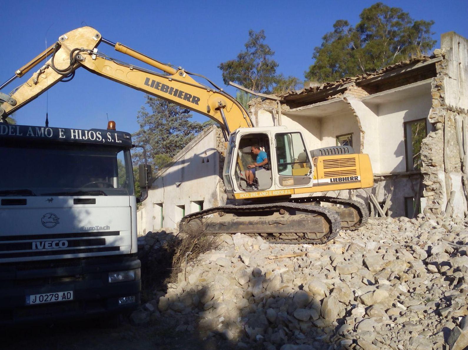 Foto 10 de Excavaciones en Navas de Tolosa | Francisco del Amo e Hijos