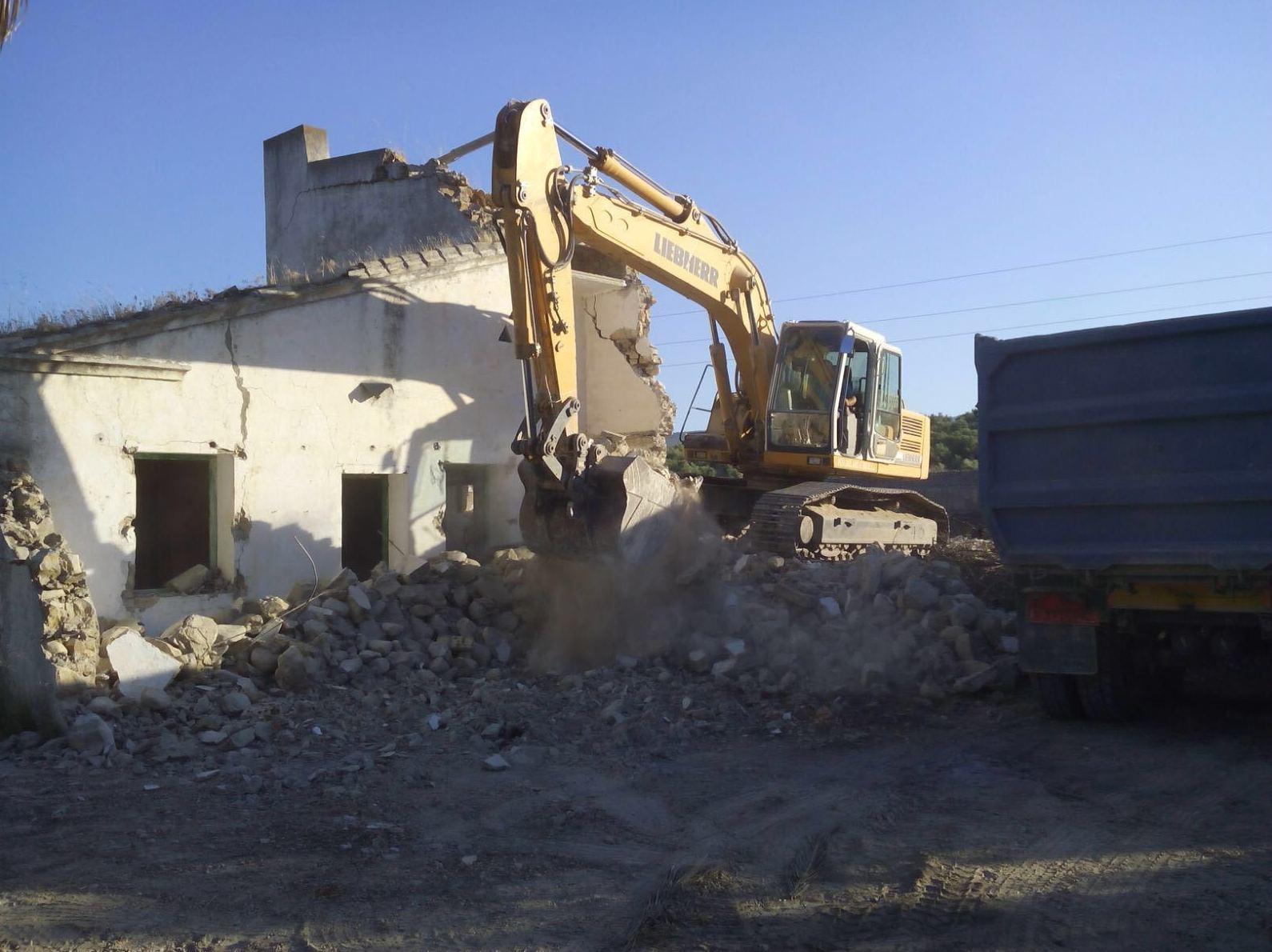 Foto 11 de Excavaciones en Navas de Tolosa | Francisco del Amo e Hijos