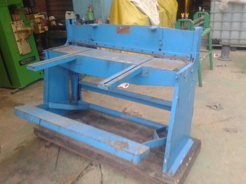 Compra de maquinaria : Servicios y Metales de Hierros y Metales Pallardó
