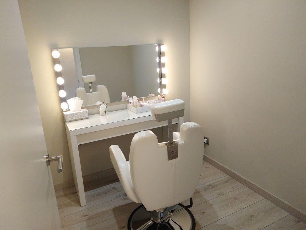 Peluquería en Vic son servicio de maquillaje