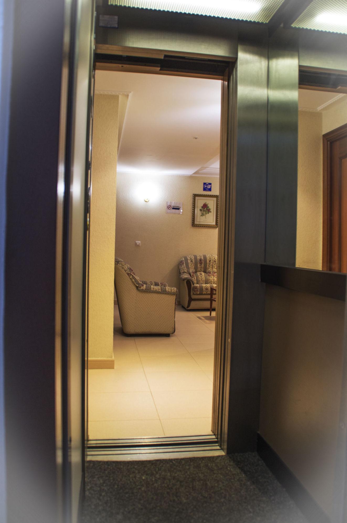 Más servicios: Instalaciones y servicios de Hotel Lorenzo