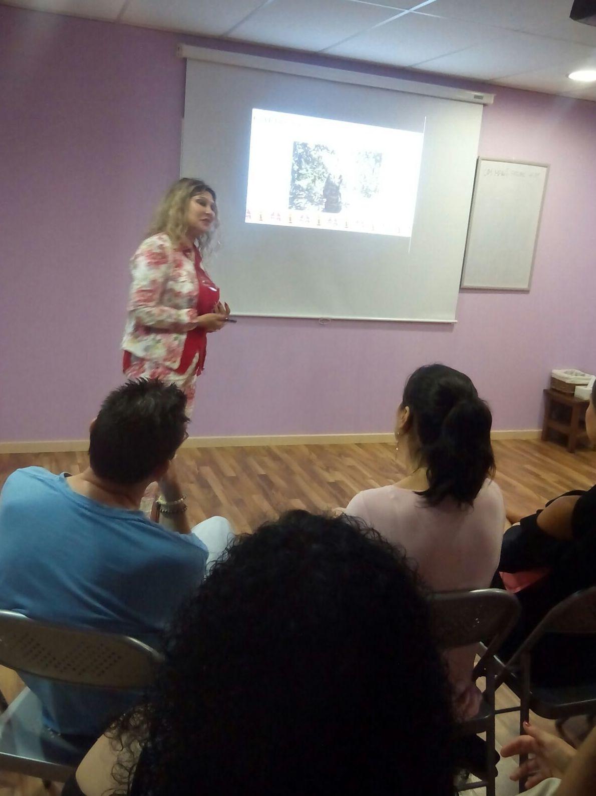 """Presentación del libro """" Manual del Péndulo Hebreo"""" por su autora Alejandra Mitnik Fischman"""