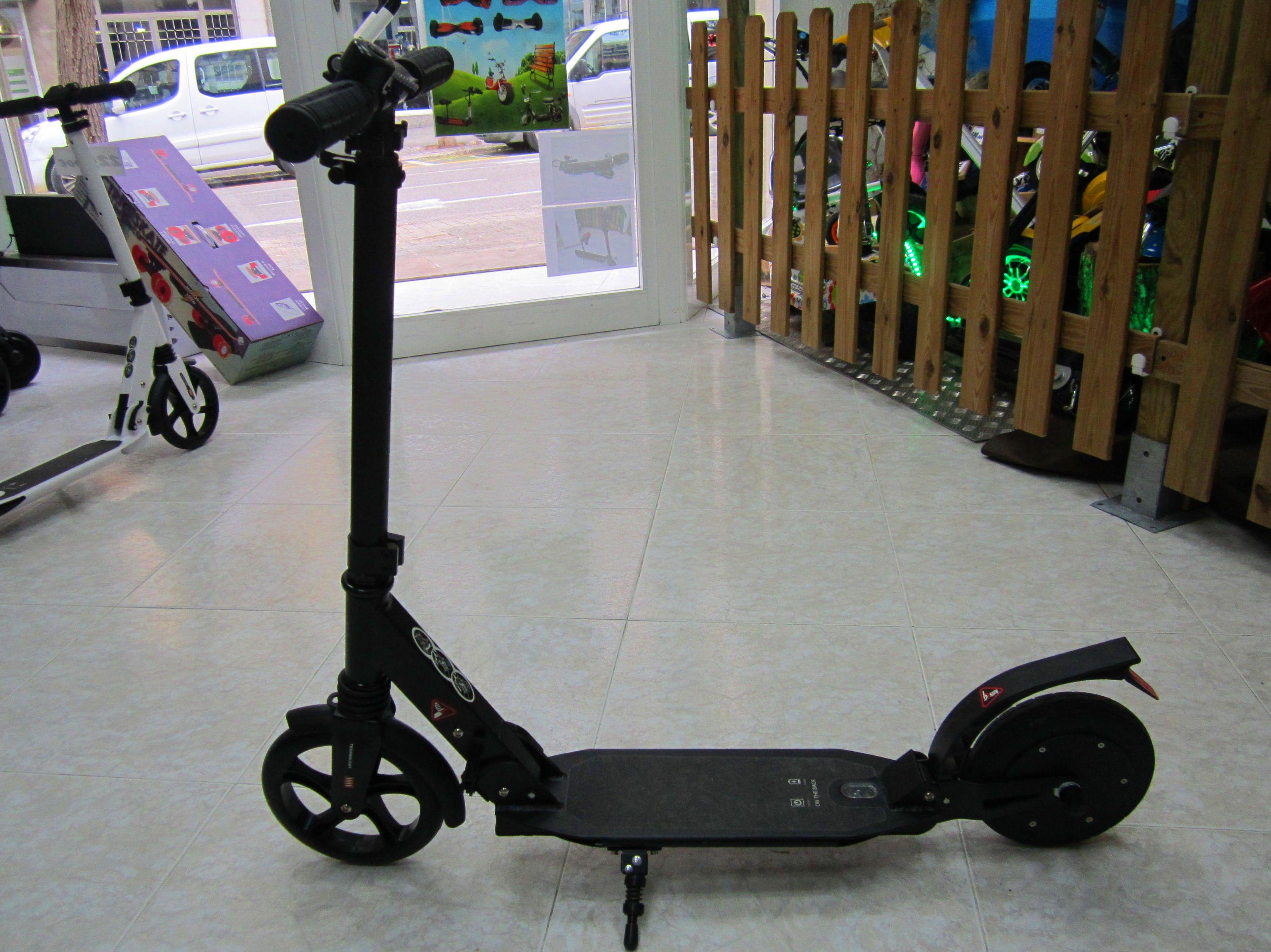 scooter E9 de empuje 225€  REBAJADO A 180€: Productos y servicios de Scooter Family Electric (PATIPACO)