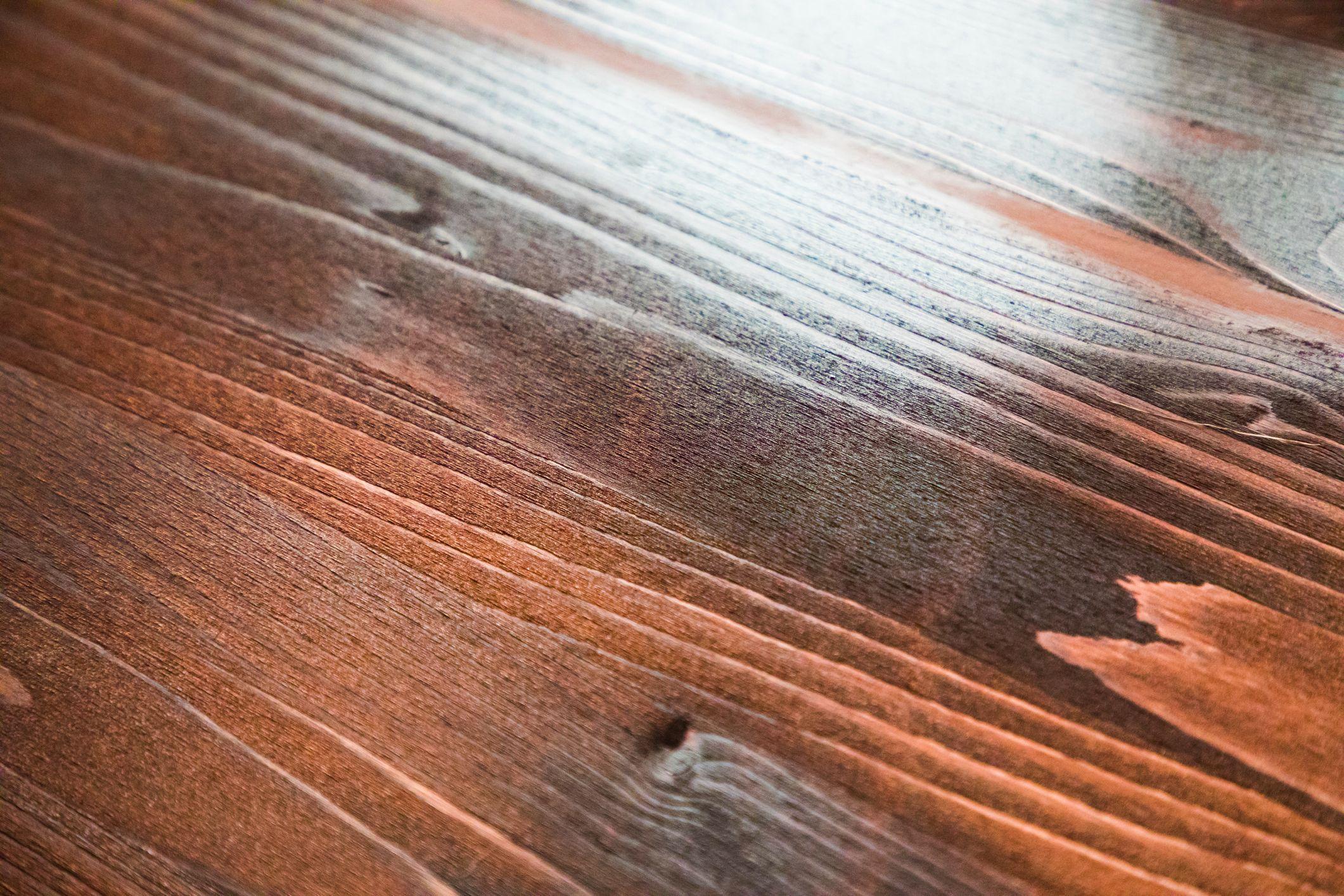 Tratamientos para madera y hierro: Servicios de Pintures Roca Sala