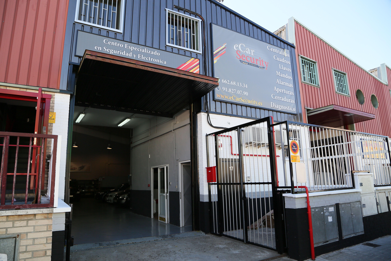 Foto 1 de Cerrajería del automóvil en Alcorcón | eCarSecurity