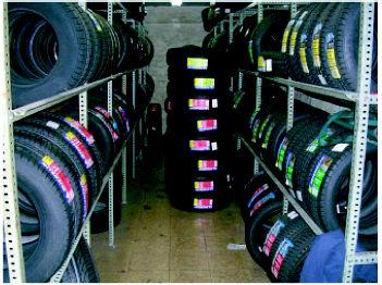 Foto 2 de Neumáticos en Madrid | Claxon Vulcanizados Manolo
